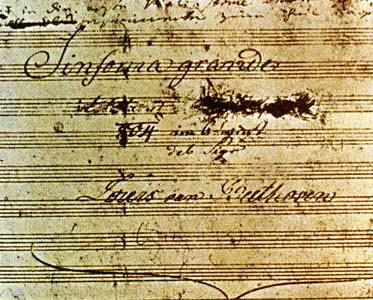 Titelblad van de Eroica Symfonie. De opdracht is weggekrast.